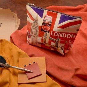 """Косметичка """"Яркий Лондон"""" цена от 550 руб"""