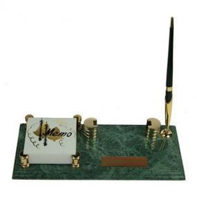 Настольный письменный набор: подставка для визиток, бумага для записей, ручка цена от 3 250 руб