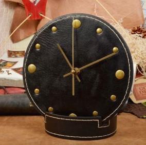 Настольные часы из кожи Elole Design, черный цена от 4 300 руб