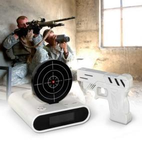 """Часы-будильник с мишенью """"Целься, стреляй!"""" от 2 190 руб"""