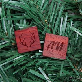 """Деревянные запонки """"Новогодний олень"""" с гравировкой (шпон ярры) цена от 1 290 руб"""