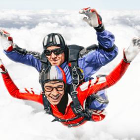 Прыжок с парашютом в тандеме для двоих цена от 15 990 руб